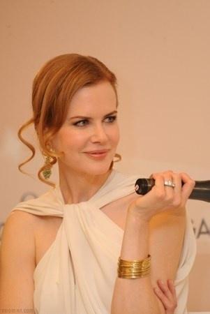 Launch of Omega's 'Ladymatic' in Beijing - Nicole Kidman 301x450