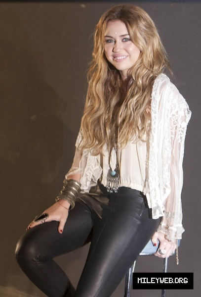 miley cyrus meet and greet 2010