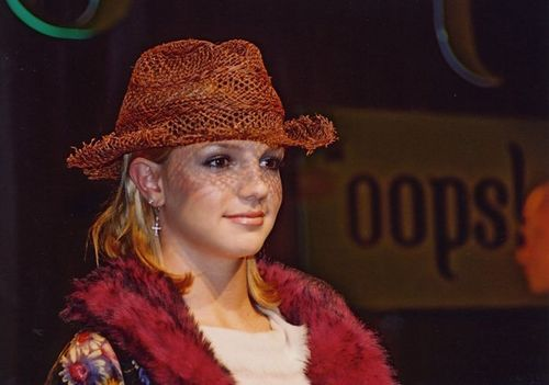 'Oops...I did it again',Press Conference,2000