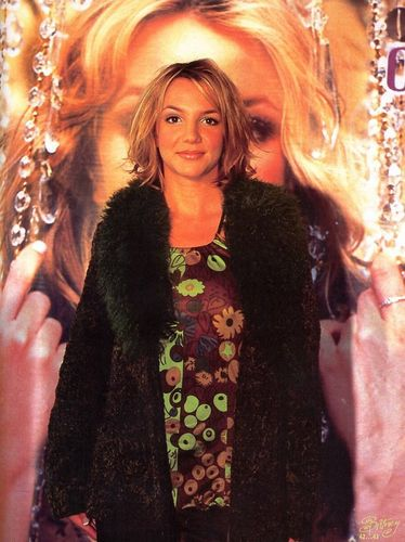 'Oops...I did it again',Press Conference in Japan,2000