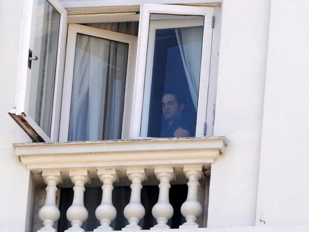 5 November, 2010 Robert Pattinson in Rio de Janeiro, Brasil