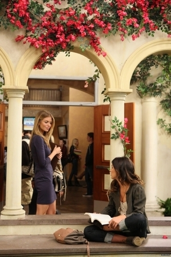 90210 - Episode 3.09 - They're Playing Her Song - Promotional các bức ảnh