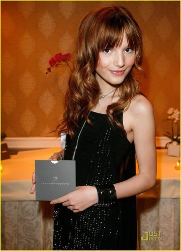 Beautiful Bella Avery Thorne<333