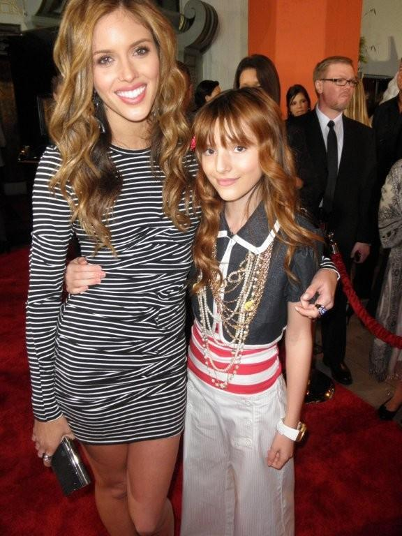 """Bella And Kayla Ewell From """"The Vampire Diaries"""""""