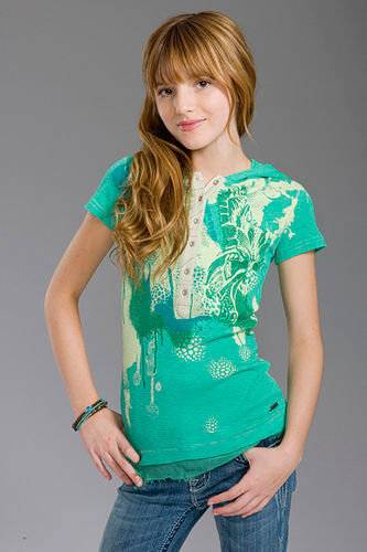 bella thorne wallpaper possibly containing a jersey and a puncak, atas entitled Bella Modeling<3