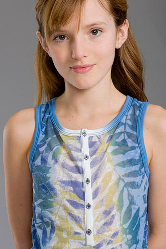 Bella Thorne Hintergrund entitled Bella Modeling<3