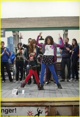 "Bella On ""Shake It Up"""