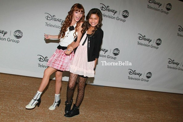 pics of zendaya and bella