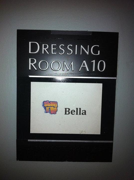 "Bella's Dressing Room On ""Shake It Up"""