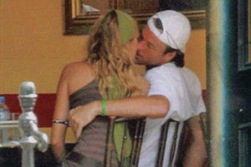 Carlos Moya kiss
