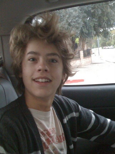 Cole - cole-sprouse Photo