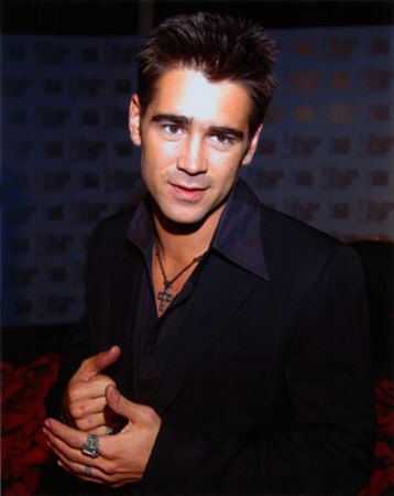 Colin Farrell wallpaper containing a business suit, a suit, and a well dressed person titled Colin ;)