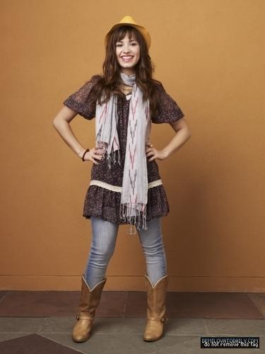 Demi Lovato - A Eccles 2008 photoshoot
