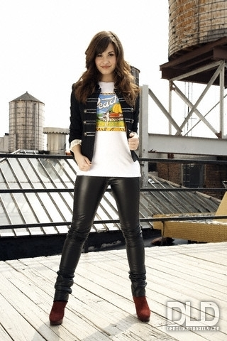 Demi Lovato - D Hallman 2008 for M magazine phototshoot