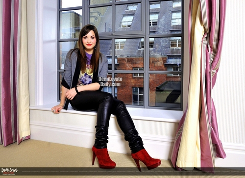 Demi Lovato - D Mirror 2008 photoshoot