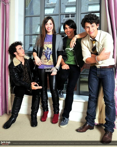 Demi Lovato -D Mirror 2008 photoshoot