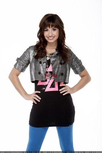 Demi Lovato - J Magnani 2008 for Pop nyota magazine photoshoot