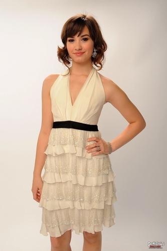 Demi Lovato - M Caulfield 2008 for American 音楽 Awards photoshoot