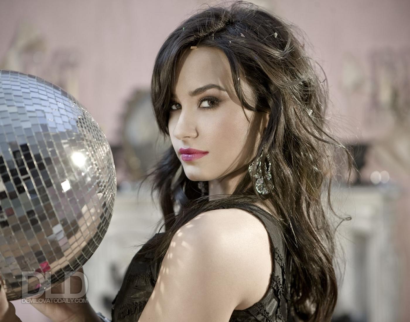 Demi Lovato (@ddlovato) | Twitter - Welcome to Twitter