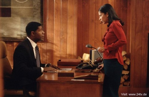 Dennis Haysbert & Penny Johnson Jerald as David & شیری Palmer