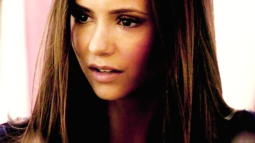 Elena Gilbert wallpaper with a portrait titled Elena.