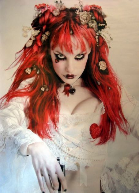 Cudo do Destino Emilie-emilie-autumn-16744148-454-629