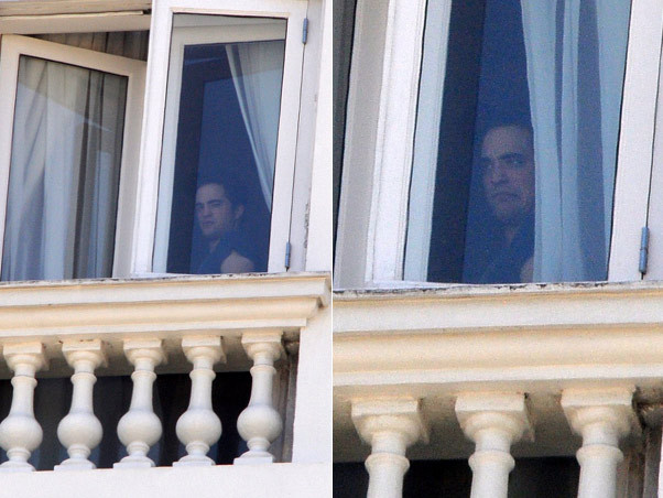 First Pics of Kristen and Robert at the hotel in Rio-Brazil