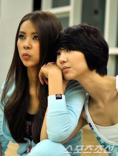 Jaekyung & Violet