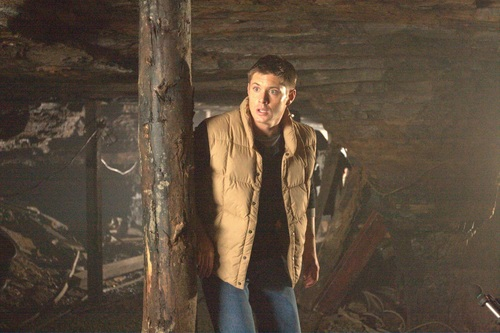 Jensen Ackles wallpaper possibly containing a fur coat and a street titled Jensen - MBV