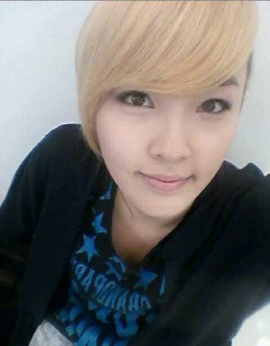 Jiyoon- Goes blond