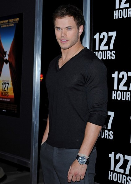 "Kellan @ Premiere Of cáo, fox Searchlight Pictures' ""127 Hours"""