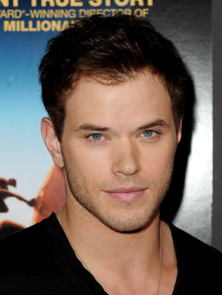 "Kellan @ Premiere Of শিয়াল Searchlight Pictures' ""127 Hours"""