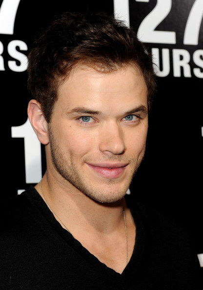 "Kellan @ Premiere Of vos, fox Searchlight Pictures' ""127 Hours"""