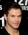 "Kellan @ Premiere Of Fox Searchlight Pictures' ""127 Hours""  - twilight-series photo"