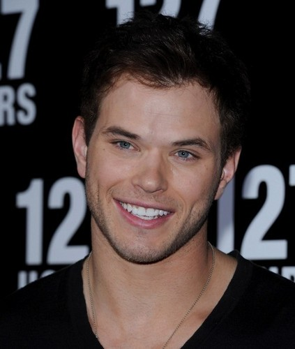 "Kellan @ Premiere Of volpe Searchlight Pictures' ""127 Hours"""