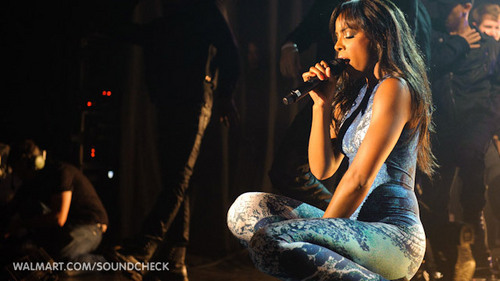 Kelly Rowland on Walmart Soundcheck