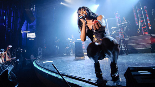 Kelly Rowland wallpaper with a concert entitled Kelly Rowland on Walmart Soundcheck
