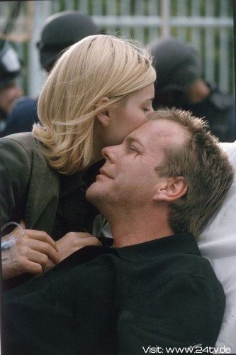 24 wallpaper called Kiefer & Elisha Cuthbert as Jack & Kim Bauer