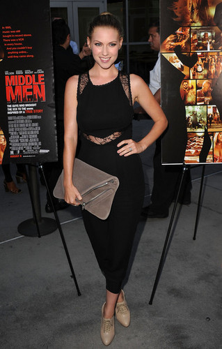 Laura Ramsey fond d'écran entitled Laura @ Middle Men Premiere - 2010