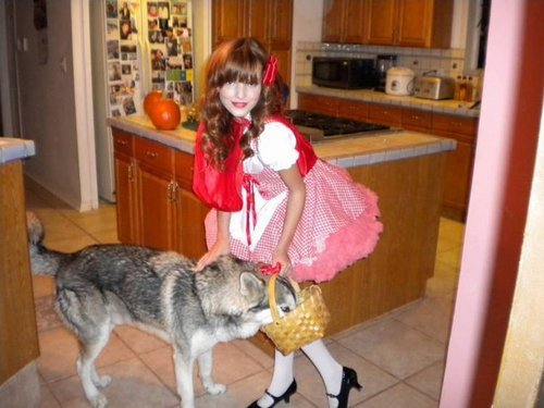 Little Red Riding Bella<3