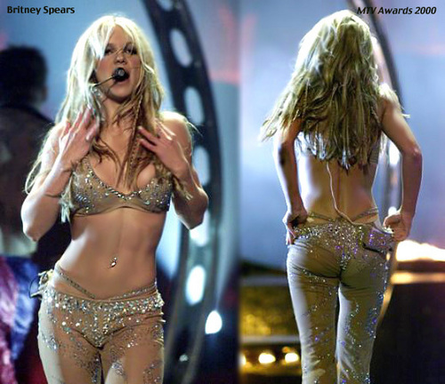 britney spears wallpaper probably with a brassiere, a lingerie, and attractiveness titled mtv Video musik Awards,NY,September 2000