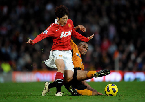Manchester United (2) v Wolverhampton Wanderers (1)
