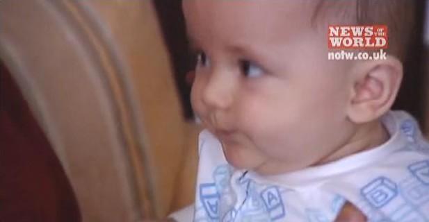 Michael and baby prince - prince-michael-jackson photo