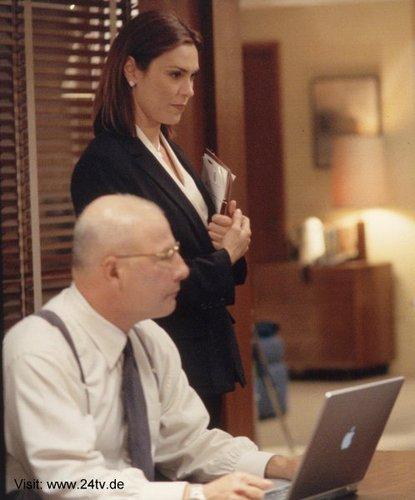Michelle Forbes & Jude Ciccolella as Lynne Kresge & Mike Novick