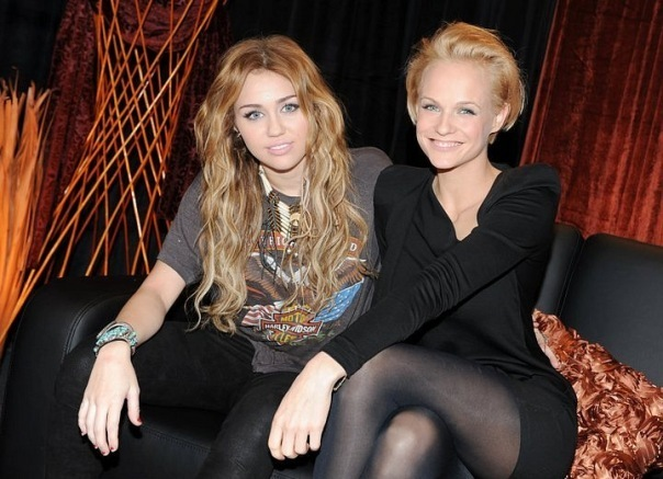 Miley at Wetten Dass..? (November 6).