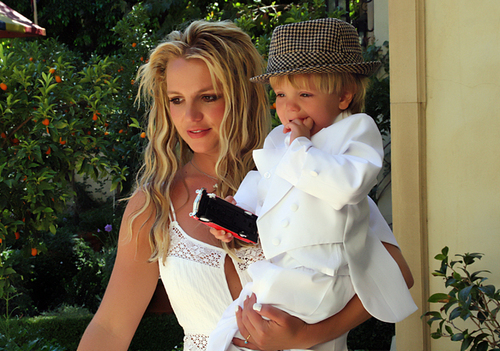 Mommy Brit and her sweet Ангелы