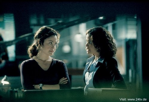 Reiko Aylesworth & Lourdes Benedicto as Michelle Dessler & Carrie Turner