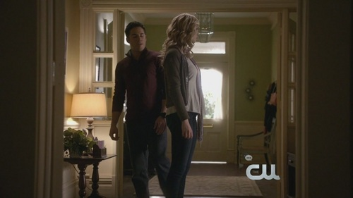 Caroline Forbes پیپر وال with a well dressed person titled Rose 2x08 / Caroline