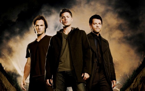 Сверхъестественное Обои with a well dressed person entitled Sam, Dean & Castiel