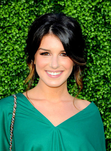 90210 wallpaper probably with common duckweed and duckweed titled Shenae Grimes!!